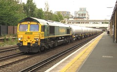 66566 Kensington (Olympia) (localet63) Tags: class66 freightliner 66566 kensingtonolympia 6z40 oiltanks