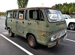 Chevrolet Van 90 (Dave* Seven One) Tags: chevrolet chevy chevyvan chevroletvan90 dailydriver classic vintage rusty rust rot fadded green gm