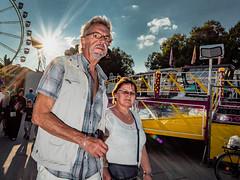 Menschen im Olympiapark Sommer 18 - Party im Park (134).jpg (Ralphs Images) Tags: streetphotography moods mft menschen olympuszuikolenses ralph´simages stimmungen panasoniclumixg9
