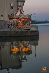 BAMBINI (Lace1952) Tags: lago lagodimergozzo tramonto sera giostra riflesso atmosfera bambini mergozzo ossola vco piemonte italia nikond7100 sigma18200vr