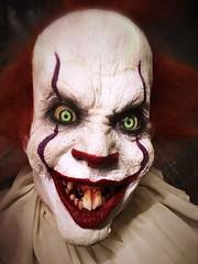 Penny Wise... (Captain Creepy) Tags: pennywise it clown animatronic brightonasylum everythingfloats