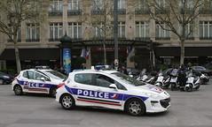 Parisien police (scouser185) Tags: police paris