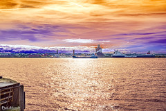 Evening sunset on the Mersey (Bob Edwards Photography - Picture Liverpool) Tags: rivermersey pictureliverpool merseyside bobedwards water sunset sky reflection evening
