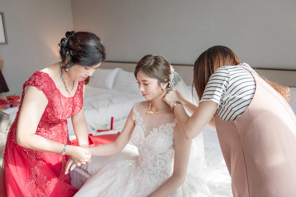 高雄婚攝 海中鮮婚宴會館 有正妹新娘快來看呦 C & S 048