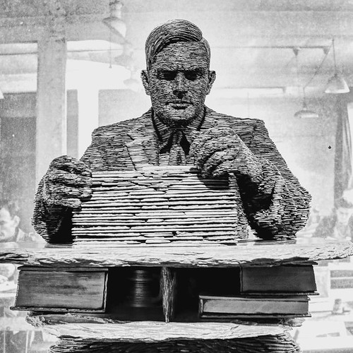 Alan Turing statue - Stephen Kettle.