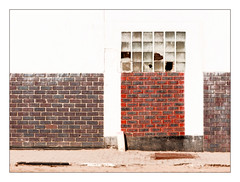 Broken (Daniela 59) Tags: wall wednesdaywalls bricks brickwork abandoned brewery depot building hansabrewery swakopmund 52in2018challenge 46broken danielaruppel