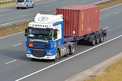 Y8 KPC (Martin's Online Photography) Tags: daf xf truck wagon lorry vehicle freight haulage commercial transport a1m northyorkshire nikon nikond7200