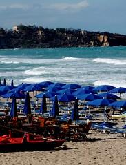 Fine estate  - Cefalù (dona(bluesea)) Tags: fineestate summerend estate summer mare sea onde waves ombrelloni umbrellas cefalù sicilia sicily italy