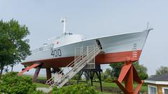Hydroptère Bras d'Or 400 - Musée maritime du Québec - P.Q., Canada - 7820 (rivai56) Tags: muséemaritimeduquébeclisletsurmer pq canada musée museum boat bateau hydroptère bras d'or 400 hydrofoil dor le ncsm fhe était un expérimental de la marine royale canadienne conçu dans les années 1960 pour détection sousmarins soviétiques pouvant sapprocher des rives du
