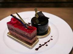 Mignonne and Othello (Long Sleeper) Tags: sweets dessert food cafe patisseriechocolatbardelimmo cake cakes layeredcake mignonne othello fruit berry raspberry chocolate chocolatesauce mejiro tokyo japan dmcgx1
