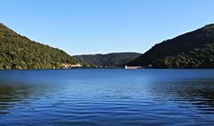 Azul-Blue (Gurutx) Tags: nafarroa nortedenavarra euskadi eugui euskalerría pantano paisaje azul blue bleu cielo sky