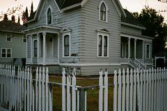Santa Clara (bior) Tags: santaclara canonrebel2000 ef40mmf28stm pro400h fujipro400 fujifilm house suburbs yard window victorian whitepicketfence