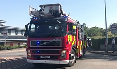 Bedfordshire Fire & Rescue Luton ALP Responding (slinkierbus268) Tags: bedfordshirefireandrescue bedfordshire fireandrescue fireengine fireappliance luton dunstable alp aerial ladder platform responding emergency bluelights sirens volvo angloco