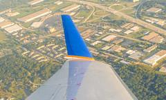 Landing in Chicago (ruifo) Tags: nikon d700 nikkor afs 24120mm f4g ed vr us usa midwest united express bombardier crj200er n432aw winglet crj200 airborne flying voando volando pousando landing aterizando