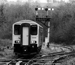 Tondu 71971bwcr (kgvuk) Tags: tondu station railwaystation railway tondustation maestegbranch train dmu dieselmultipleunit class1502 150258 arrivatrainswales