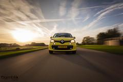new Renault Twingo (Ogenblik fotografie) Tags: gras grass driving geel yellow ogenblikfotografie rigshot shot rolling rollingshot rig auto car new twingo renault road straat street