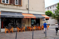Another Cafe (Grenoble, France) (Haytham M.) Tags: cafe grenoble france french patisserie drink sidewalk pavement seats coffeeshop