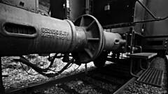 L'amortissseur (Un jour en France) Tags: monochrome train amortisseur locomotive rail noiretblanc noiretblancfrance vapeur