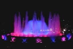 Barcelona azulgrana (Fnikos) Tags: plaça plaza parc park parco montjuic montjuïc city fountain fontaine fuente water music magic colour color people light night sky show nightshow nightview outdoor