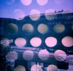 20180713 Dubbelexponering med Lena Källberg, Göteborg stadsbiblioteket, fototräff - Ektachrome 400 - rolleicord III (Sina Farhat - Webcoast) Tags: light ljus gothenborg göteborg sweden sverige 031 dubbelexponering doubleexposure lenakällberg stockholmgöteborg sommar summer bokeh skärpedjup rolleicordiii tlr 120 raw photoshopcc analog film positiv slidefilm e6 kodak ektachrome400 expiredfilm tetenalcolortece6kit city stad stadsbiblioteket citylibrary dslr scanned
