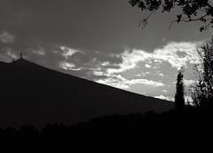 lever de soleil orageux sur le Mont Ventoux... Reynald ARTAUD (Reynald ARTAUD) Tags: 2018 août provence mont ventoux lever soleil orageux reynald artaud