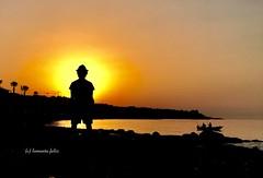 Amanece. Adorando al sol-Cala del Moral Málaga. (lameato feliz) Tags: málaga amanecer sol contraluz naturaleza caladelmoral rincóndelavictoria adorarelsol