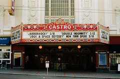 Castro Theater / Castro St - San Francisco, Californie (Ludovic Macioszczyk Photography) Tags: castro theater st san francisco californie nikon fm10 135 kodak portra 400 iso mai 2018 étatsunis © ludovic macioszczyk usa film argentique lumière 35mm couleurs colors voyage vacances grain bay area sf street amérique jabberwocky 2001 a space odyssey double indemnity movies district photography analog ville city life