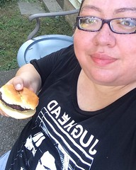 This was me on Labor Day. Just a Mini BBQ with my Family. So it's kinda Throwback. #TBT #throw🔙 #throwback🔙 #throwbackthursday #Thursday #BBQ #labordayweekend #weekend #laborday #claud #Claudia #me #Selfie #jugheadjones #jugheadjonesburger #jugh (CaLudiaZinWonderLand) Tags: instagramapp square squareformat iphoneography uploaded:by=instagram