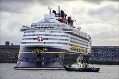Magic Turn (Elaine 55.) Tags: disneymagic cruise liverpool rivermersey tug