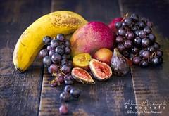 _DSC6068 (alianmanuel fotografia) Tags: stilllife frutaslapalma uvas mango higos platanos platano agricultura comersano foodphotography bodegón photofood foddphoto fotografiaculinaria foodphotograph bodegones