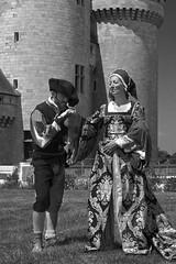 Like in the past (mostodol) Tags: medieval medievales médiévales france french sully sullysurloire loiret fair fairs manifestation château castle castele castillo noiretblanc noir blanc monochrome black white costumes fuji fujifilm xt20
