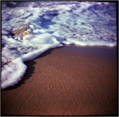 aufgeschäumt (Ulla M.) Tags: crete kreta mittelmeer mediterraneansea mittelformat balgenkamera kretischesmeer seaofcrete wellen waves strand beach canoscan8800f adox adoxmessgolf messgolf selfdeveloped selbstentwickelt tetenalcolortec analogphotography analogue analog filmphotography filmisnotdead filmshooter umphotoart falter foldingcamera wave schaum welle