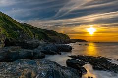Bat signal (dayonkaede) Tags: nature landscape sunrise solar ocean rock morning nikond750 200mmf18