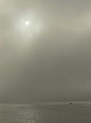 Balanced (♥ expressing emotions ♥) Tags: sun sol agua water minimalist monocromatico minimalista monochrome bw b