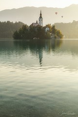 Bled, Slovenia (www.fromentinjulien.com) Tags: fromus75 fromus fromentinjulien fromentin flickr view exposure shot hdr dri manual blending digital raw photography photo art photoshop lightroom photomatix french francais light traitements effets effects world europe slovenie slovenia bled colocación history 2018 photographe photographer eos canon 5d 5d4 markiv fullframe full frame ff 2470mm 2470 canonef2470mmf28lii canon2470mf28 travel cityscape poselongue longexposure nature lac lake water sunrise morning island quiet church radovljica