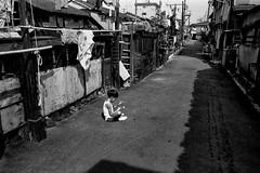 Street 705 (soyokazeojisan) Tags: japan osaka bw city street people blackandwhite monochrome analog olympus m1 om1 28mm film trix memories 昭和 1970s 1975
