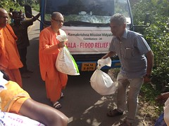 """Kerala Flood Relief Work by Ramakrishna Mission, Coimbatore <a style=""""margin-left:10px; font-size:0.8em;"""" href=""""http://www.flickr.com/photos/47844184@N02/44509209581/"""" target=""""_blank"""">@flickr</a>"""