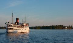Jours d'été à Stockholm : en quittant Vaxholm (Géraud de St G) Tags: stockolm stockholm archipel archipelago vaxholm ferry