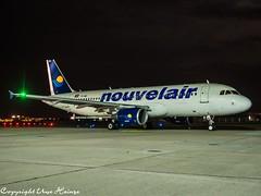 Nouvelair TS-INR HAJ at Night (U. Heinze) Tags: aircraft airlines airways airplane planespotting plane haj hannoverlangenhagenairporthaj eddv night olympus 1240mm