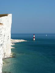 Beachy Head lighthouse (Carsten Weigel) Tags: carstenweigel england sommer summer sonyr1 reise trip sussex leuchtturm lighthouse cliff steilküste beachyhead ärmelkanal channel