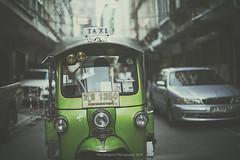 Rickshaw (Graella) Tags: rickshaw tuktuk vehicle vehiculo transporte transport taxi thailand tailandia urban street verde green travel viajar lvm juegolvm tesorolvm