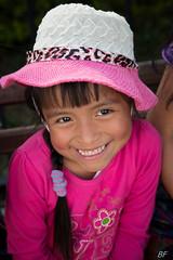 """""""La vie en rose"""" (poupette1957) Tags: art atmosphère canon city costumes colors children guatemala humanisme life lady photographie people portrait rue street town travel"""