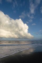 海 (fumi*23) Tags: ilce7rm3 sony samyang 12mm samyang12mmf20ncscs sea seaside seascape cloud ocean sky manualfocus a7r3 apsccrop emount 雲 海 波 ソニー