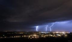 Orage 28.08.2018 (toper33) Tags: orage storm éclair lightning ciel cloud pluie rain nuit night ramifié ville pelouse eau