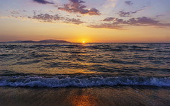 Davutlar-Kuşadası (Tünay Kasımoğlu) Tags: günbatımı deniz kuşadası davutlar epz1650mmf3556oss sonynex6 natures aegeansea