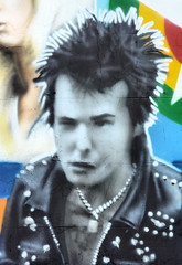 Sid Vicious (R~P~M) Tags: pub publichouse bat princealbert mural art graffiti brighton brightonhove musician dead deceased eastsussex england uk unitedkingdom greatbritain sidvicious sexpistols