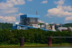 Closed Power Plant along the Ohio River (durand clark) Tags: dpl retiredpowerplant closedcoalburningplant powerhouse generatingplant nikond750