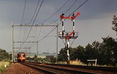 SchinOpGeul1972_DE_1_002 (eco07) Tags: schin op geul miljoenenlijn spoorlijn maastricht aken de 1 2 blauwe engel klassieke beveiliging vertakkingssein
