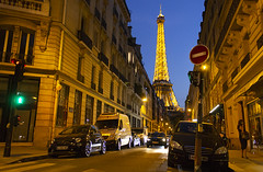 Imposing Tower (Guille .) Tags: tower eiffel paris france francia torre canon t3 1100d tour architecture rue city ciudad night noche nocturna