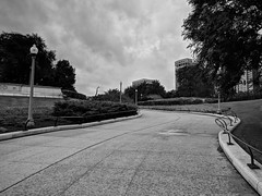 Approach (ancientlives) Tags: chicago illinois il usa travel trips fieldmuseum museumcampus dinosaur museum saturday august 2018 summer blackandwhite monochrome mono bw clouds humid weather city cityscape